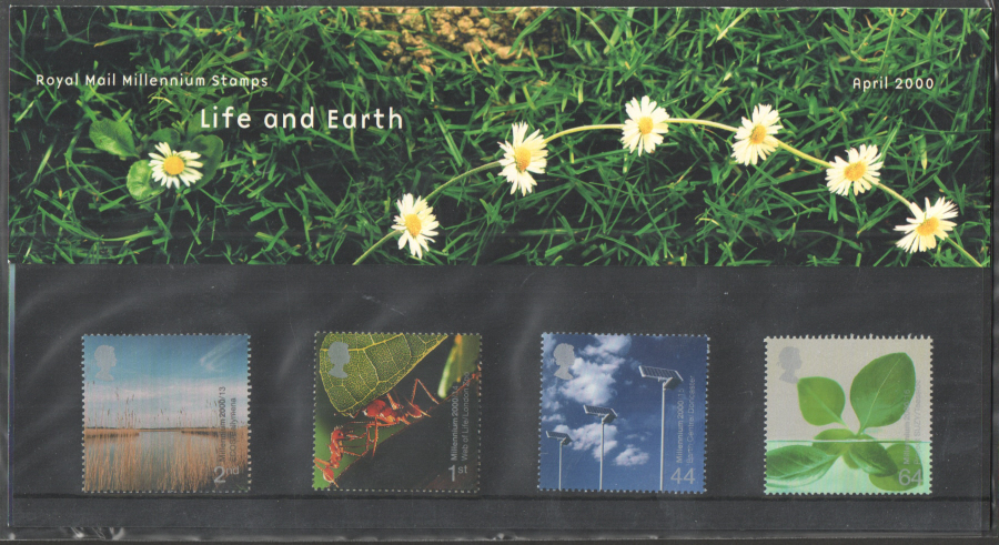 2000 Life & Earth Royal Mail Presentation Pack 310
