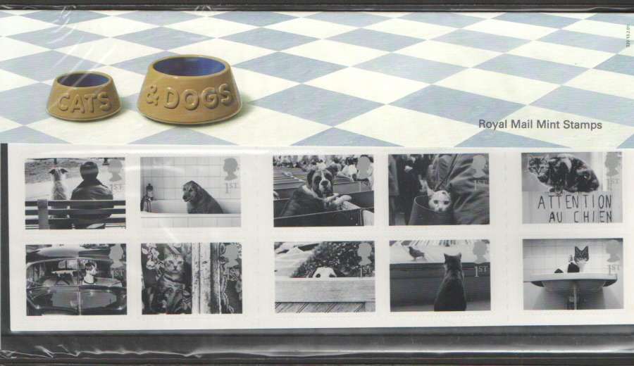 2001 Cats & Dogs Royal Mail Presentation Pack 320