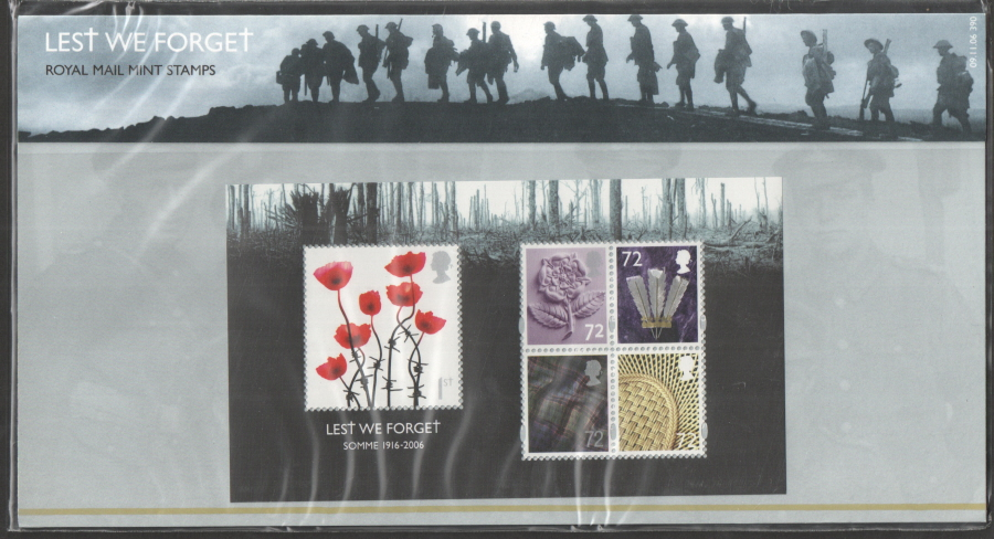 2006 Lest We Forget (1st Issue) Royal Mail Presentation Pack 390